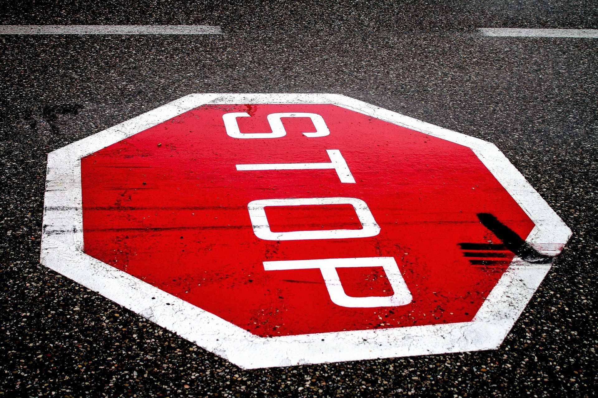 Skrzyżowanie ze znakami ustalającymi pierwszeństwo przejazdu